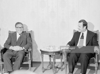 American Secretary of State Henry Kissinger meets President of Syria Hafez El Assad in Damas. (Photo by Claude Salhani/Sygma via Getty Images)